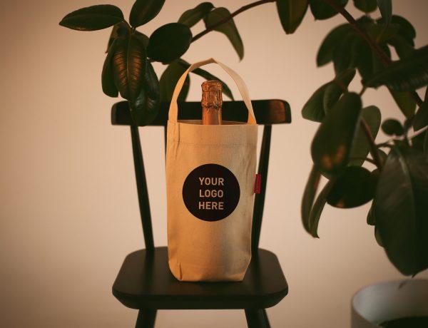 Сувенирные сумки шопперы для бутылки с логотипом